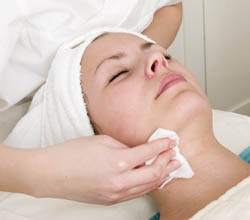 Anti-Aging facial at Phoenix, AZ are day spa