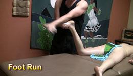 Foot massage lomi lomi technique