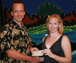 CEO of Hawaiian Experience Spa donates $300 to an Ehlers-Danlos Syndrome support group in Phoenix, AZ
